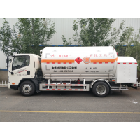 LNG移动加液车哪里有?9立方和15立方天然气充装车